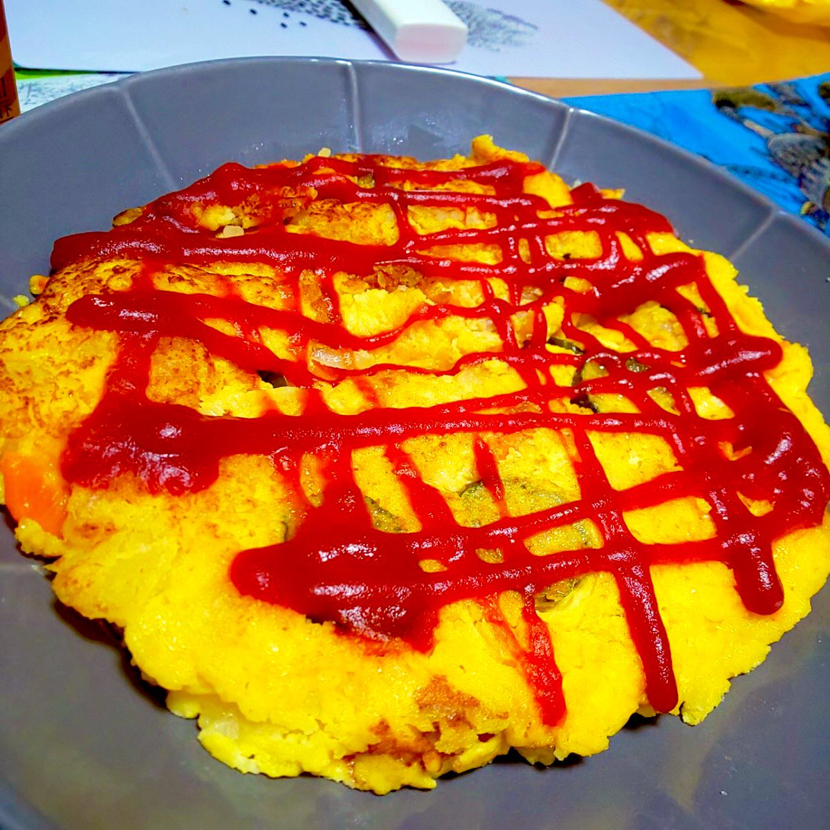 【リメイク❗️フォロワー800万人記念】ポテトサラダでスパニッシュオムレツ🥺🥺🥺()#ぱぱぴえん #クラシル #kurashiru #リメイク #ポテトサラダの日 #ポテサラ #オムレツ #ケチャップの魔人 #ケチャップ文字 #料理好き #料理記録 #おうちごはん #うちで過ごそう #StayHome