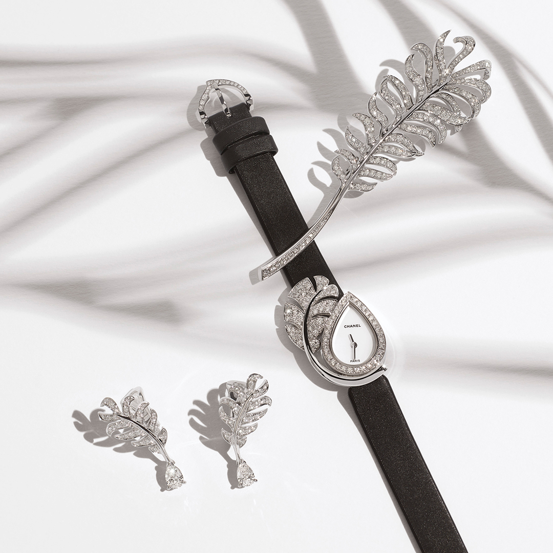 LES SIGNATURES DE CHANEL. CHANEL Fine Jewelry is punctuated with symbols. 5 signature motifs inspired by the world of Mademoiselle. 5, like her lucky number.  #CHANELFineJewelry #LesSignaturesdeCHANEL Discover on
