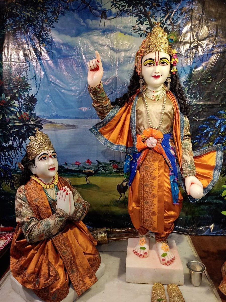 #Mangala #Aratik #Darshan #Arjun #Krishna #deities(called as #Arjun #Varshney #Krishna), #Iskcon #Aligarh #Gita #Gyan #Mandir, #Harduaganj. 22.10.2020 Photography courtesy of Mannraj Prabhuji. #APNA #SAHAYOGI #PREMI #PARIVAR. #अपना #सहयोगी #प्रेमी #परिवार | https://t.co/9U0Bezad1x
