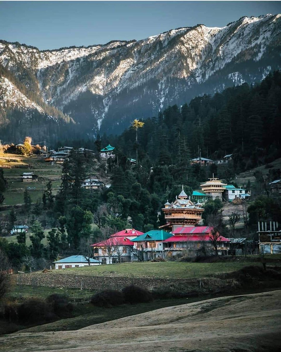 Shangarh - Sainj Valley 😍 Himachal Pradesh ❤️ .   #tungnath #badrinath #instrinood #rudraprayag #dharamshala #Daramshala #uttarkashi #travelblogger #indianphotography #indianototot ### #traveller #indiapictures #photooftheday #roopkund #chopta https://t.co/RQ2QNJmhoS