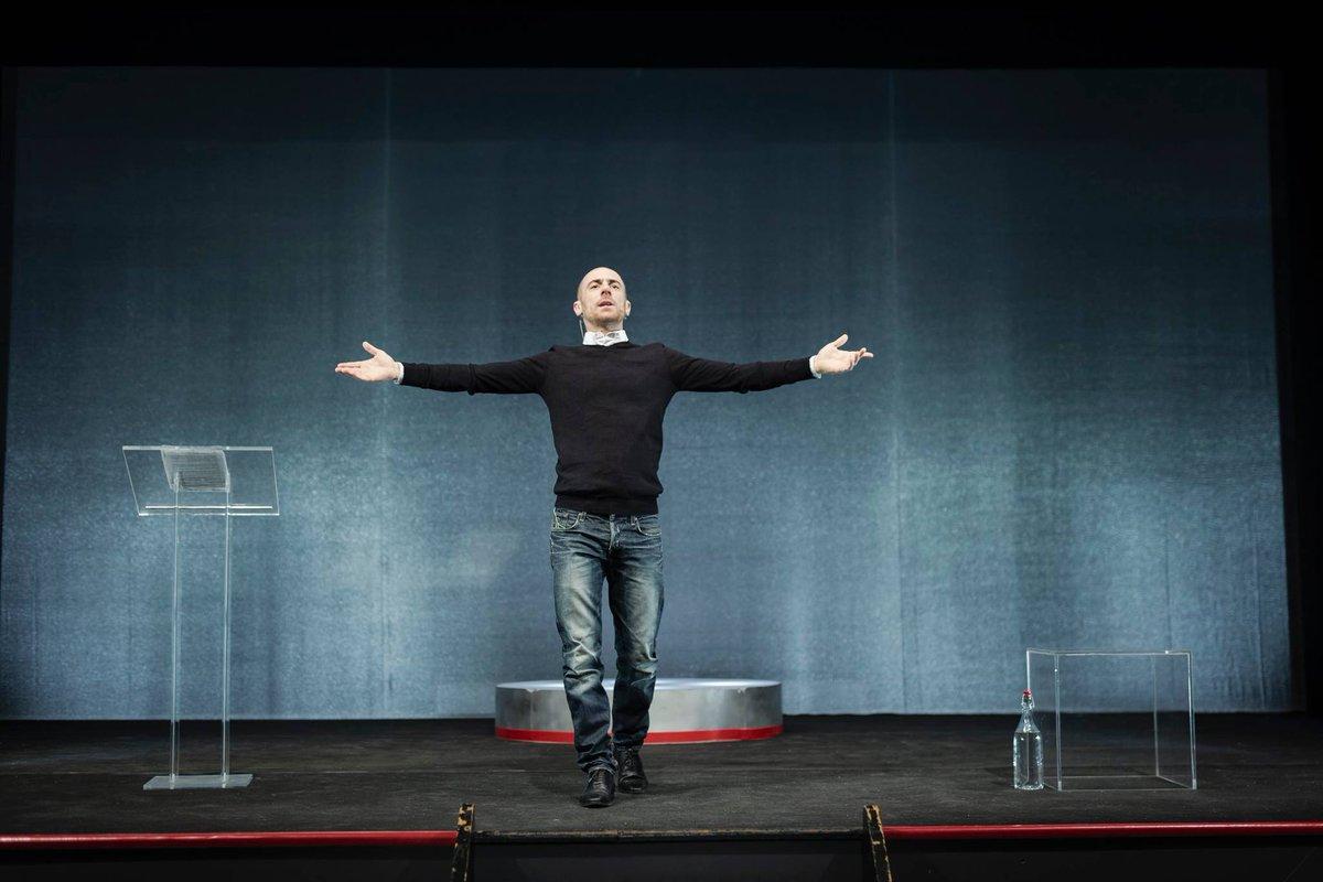 Elio Germano e Sosta Palmizi al Festival dello Spettatore #arezzo #elio_germano #festival_dello_spettatore #giorgio_rossi #lo_spettatore_digitale #monte_san_savino #sosta_palmizi https://t.co/O11MGK59Am https://t.co/sEMXDCW5Ra