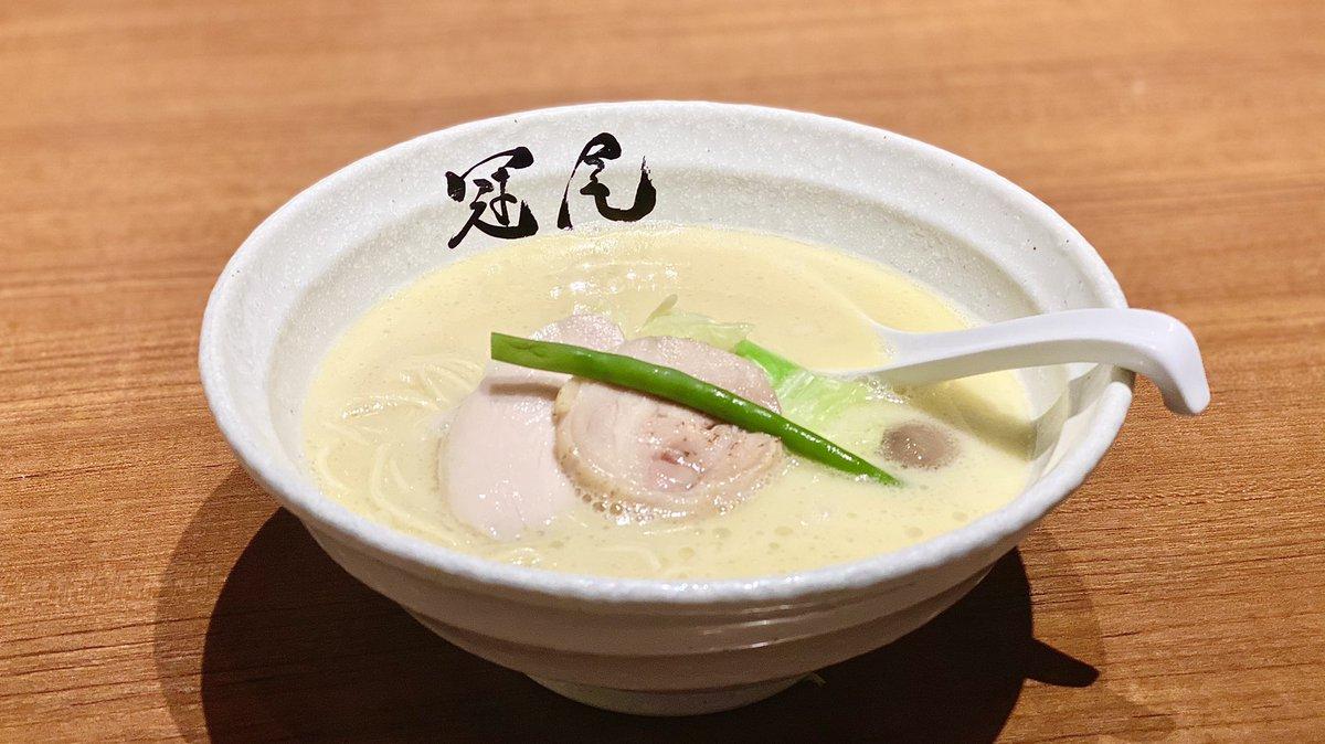 約20人の方に背中をおしていただき鶏白湯ラーメン食べました!福岡豚骨育ちのbosyuさんもだいすきなやつ。健康診断終わると、なんかホッとします☺️