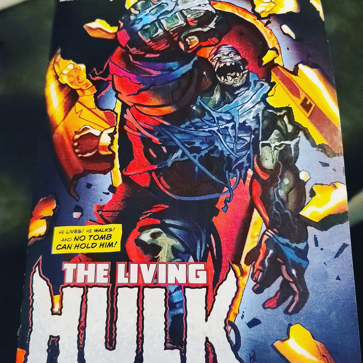 "Jesus' #coveroftheday is this Immortal Hulk #38 variant ""The Living Hulk"" by @DeadlyMike! Such a great cover!!  Immortal Hulk #38 is written by @Al_Ewing and interior art is crafted by @JoeBenn33636019. This book was released on October 14, 2020. https://t.co/PjIpDyJqtj"