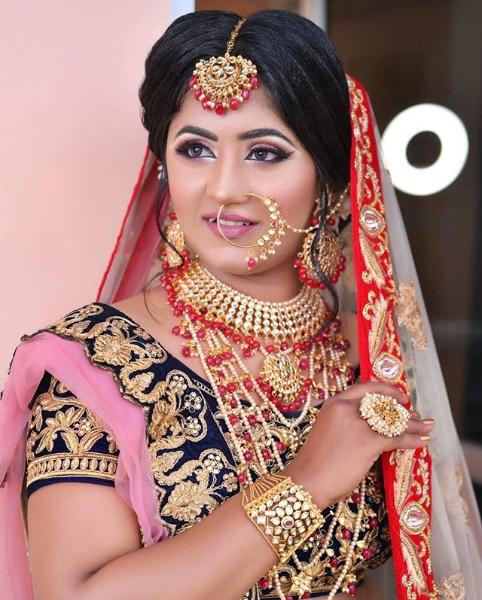make-up by Sukanksha Gupta  #sukanshagupta #arohissalon #makeup #beauty #nails #nailart #hairstyle #skincare #skin #haircare #vaishalinagar #imliphatak #chitrakoot #jaipurmakeup #bridalmakeup  https://t.co/7rNHTW7TPo https://t.co/iV7vIev3Ot  Ph. No. : 0141-4107928,9828508424 https://t.co/lrAMYc9AWh