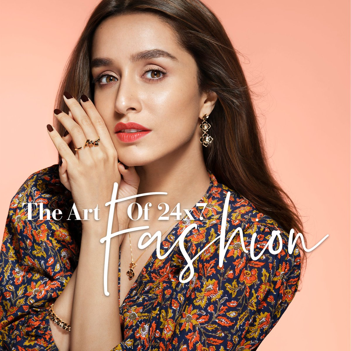 Gold jewellery, now made for your fashionable everyday. From Sunday afternoons to Friday nights - Melorra is your new trendy companion day-in and day-out. Like @ShraddhaKapoor , live the #ArtOf24x7Fashion!  Shop Now >   #Melorra #FineJewellery #ShopOnline