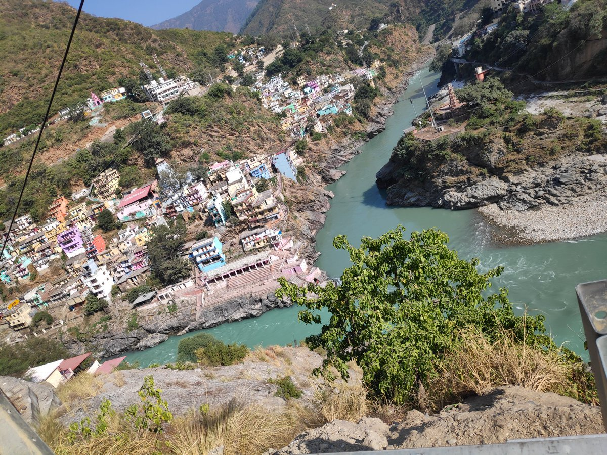 #Devprayag #Sangam https://t.co/Pfv30iZmTC