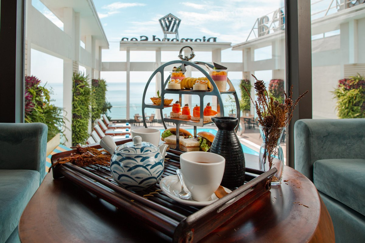 Stop by Diamond Sea Hotel and savor the extraordinary afternoon tea with exquisite relaxation space while admiring a tranquil afternoon - that definitely your choice to hide away from the busy ordinary  #DiamondSeaHotel #danangbeachhotel #Danang #afternoontea #relax #chilling https://t.co/Zh02SRFCcp