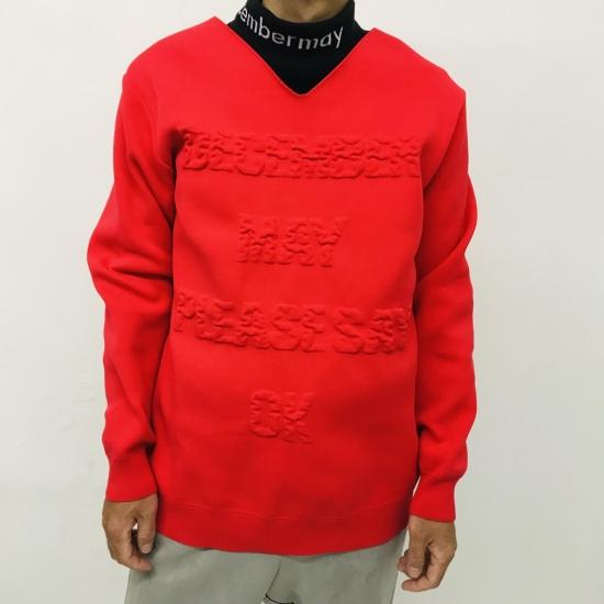VS嵐3時間SP 10/22放送大野智くん 着用衣装 ニットまた岡田くんとの先輩後輩問題で盛り上がった智くんの着ている赤のニット。胸のロゴがもこもこしてて可愛いですね。首周りもカットオフになってます。ゴルフウェアでした。#大野智 #VS嵐 #嵐 #ARASHI