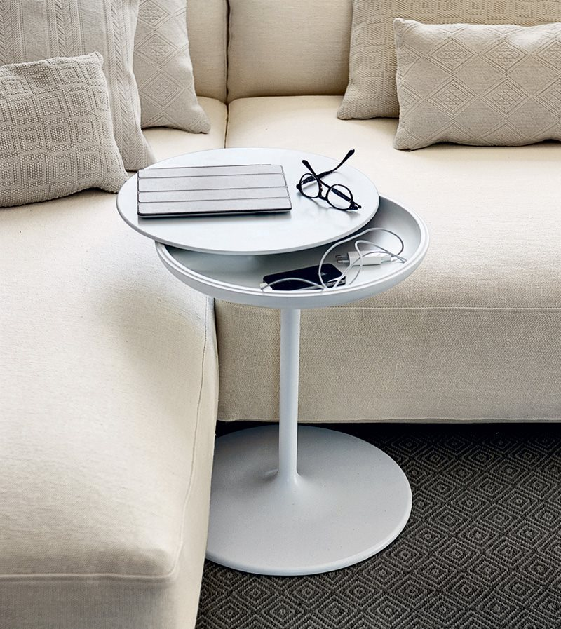 #designoftheday Toi, designed by Salvatore Indriolo for Zanotta in 2012, is a small side table with a hidden feature. Rotating the top reveals a small, but very useful, storage compartment. Now you see it, now you don't. Great for  cords & remote controls. https://t.co/VsdpC4GXwx https://t.co/NOizry4Bot