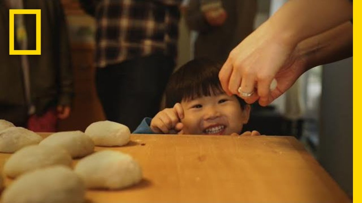 """【Japanese Mochi Pounded to Perfection】 """"Watch how Mochi is made. These popular rice treats originated in Japan hundreds of years ago.""""  [Travel Japan: Selected Videos 471] #Mochi #Food #Washoku #Rice #餅  《Video (1:39》https://t.co/AvxVAG1zap https://t.co/tTLDQKqWnP"""