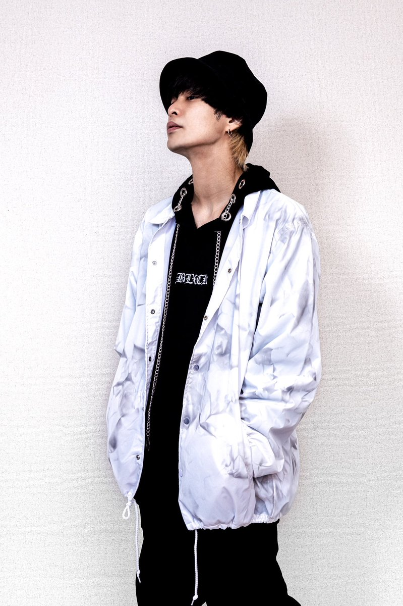 【MARBLE COACH JACKET GIVEAWAY】 抽選で1名様プレゼント   【お申し込み方法】   ❶ @blxcktokyo をフォロー   ❷このツイートをいいね❤︎、リツイート   ❸アカウントロックをかけてる人は解除してね🗝   【応募締切✂︎】 ⏰2020.10.25 23:59 JPN TIME https://t.co/EoSElfFGuL