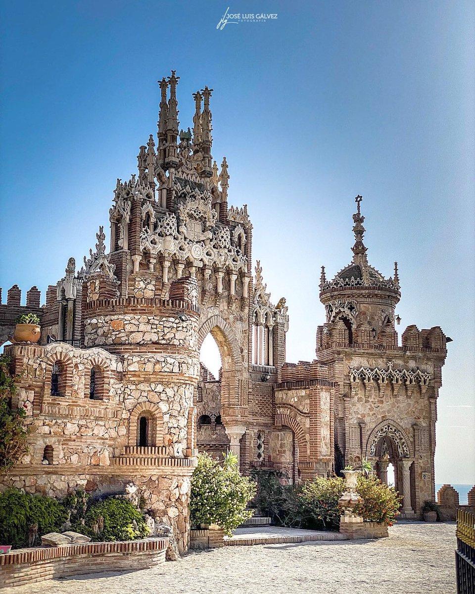Siempre fuiste mi espejo, quiero decir que para verme tenía que mirarte.  #CastillodeColomares #Benalmadena  #Malaga #CostadelSol #MalagaTurismo #Andalucia #Travel #Viaje #Traveler #Viajero #Photo #Photography #Fotografia #Photographer #Fotografo #Turismo #Tourism #Turista https://t.co/rkEjj97Zom