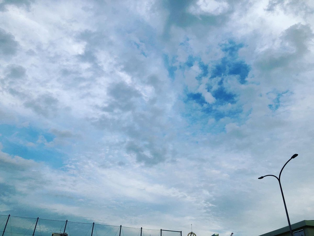 キョウソラ 20/10/21 2 ・ #空 #そらふぉと #写真撮ってる人と繋がりたい #空の写真が好きな人と繋がりたい #写真好きな人と繋がりたい #空の写真撮ってる人と繋がりたい #ファインダー越しの私の世界 #イマソラ #キョウソラ #ダレソラ #キリトリセカイ #dare_sora #photo #photograph #sky #skyphoto https://t.co/T01ANSQwgl