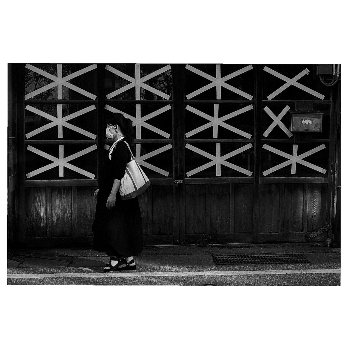1日雨でしたー😭雨を活かした撮影してみたいけど、よくわからない〜とりあえず昔の写真を投げとこう😁#ファインダー越しの私の世界 #カメラ好きな人と繋がりたい #写真好きな人と繋がりたい #HSPさんと繋がりたい #白黒写真 #ストリートスナップ https://t.co/tLBn1bdafO