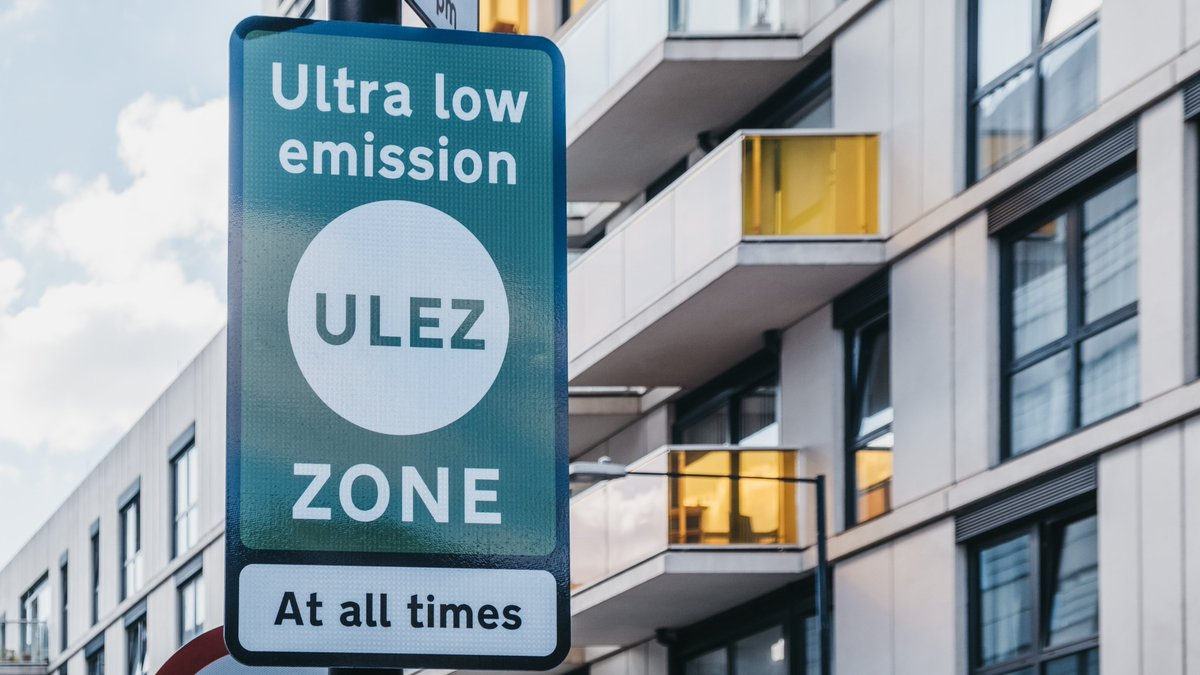 To help clean up London's air, the Mayor has launched a new Heavy Scrappage Scheme to support small businesses & charities ahead of the tighter Low Emission Zone standards due to come into force 1 March 2021.   Learn about the grants available here: https://t.co/3dYI8Xk7ah https://t.co/090BzM7Bbb