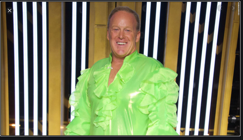 @seanspicer This must be what pedophile fanboys are wearing this year. #Seanspicer https://t.co/trZm8Dt1Np