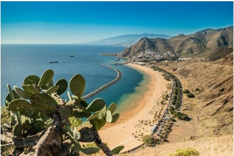 Following today's update to the #TravelCorridors list, we're offering some great deals to the Canary Islands. Save £100 on holidays, if you book by midnight 27 October 2020, for travel by 30 September 2021. Book now at https://t.co/9liI3QjV6a. UK only. T&Cs apply. https://t.co/G6BaHtuwFJ