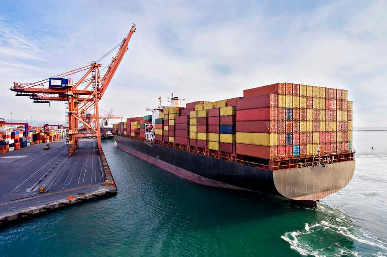 What is port-centric logistics and why is it becoming increasingly popular?  Port-centric #logistics is increasingly being considered as a way for businesses to streamline their supply chains and reduce their impact on the environment  @supplychaind https://t.co/xaCxaMCVdh https://t.co/cB8VCq0YCx