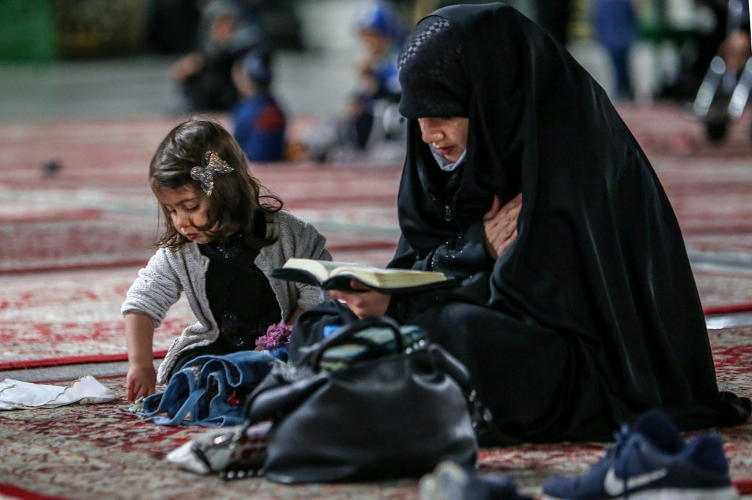#Mother is a #blessing, there is no other #blessing #like her. Be #grateful to #Allah for this blessing. #love #care #family #support #childhood #child #islam #karbala #beautiful https://t.co/70RkZKy4ko