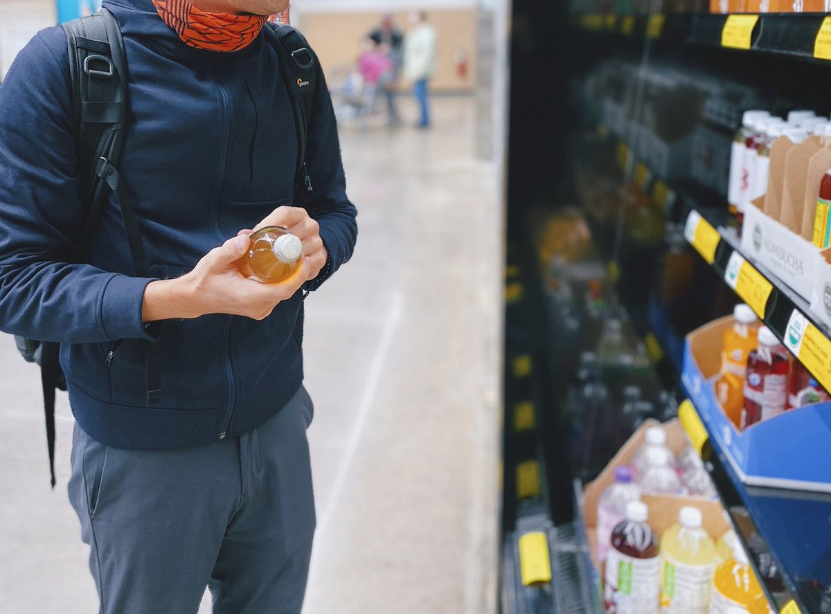 A Cork supermarket has started a confidential food drop for anyone who is struggling during #level5 ♥️ https://t.co/thRQVCgU8L https://t.co/zWheCqiFBy