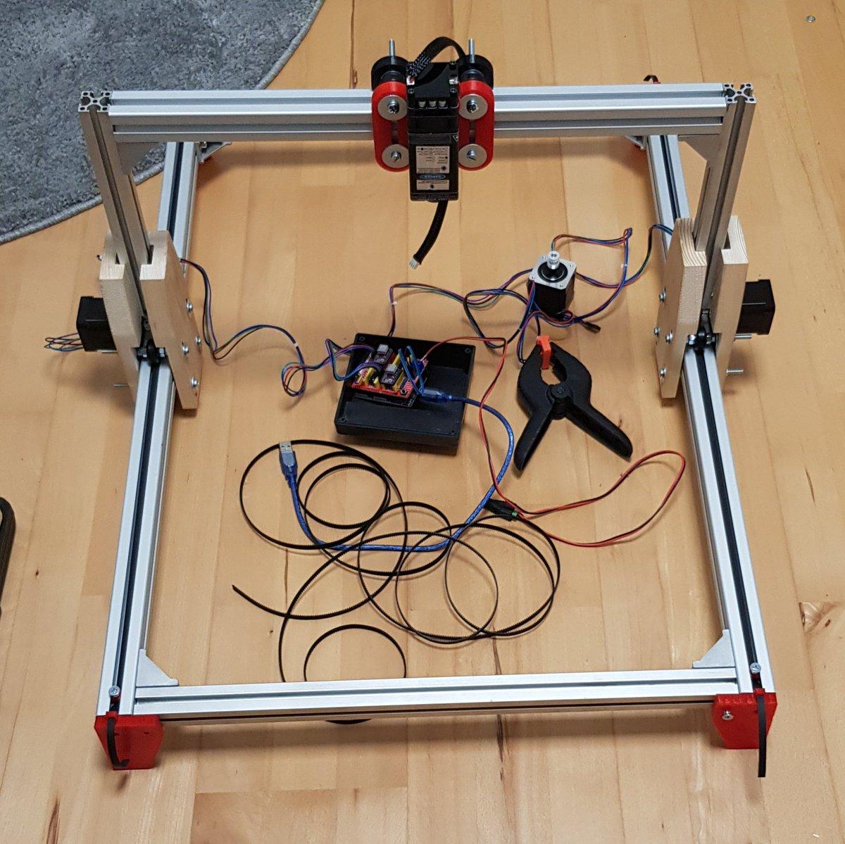 @MakeMagazinDE wenn ihr mein aktuelles Projekt: Laser-Gravierer mitverfolgen möchtet, lasse ich einen Link da und freue mich wenn ihr vorbeischaut https://t.co/BTQ4C4z3Sm  #laser #diy #3Dprinting #cnc #hobby #schrittmotor #Arduino #cncshield #maker #maschine #bastler #lasergravur https://t.co/t5GClnx6kt