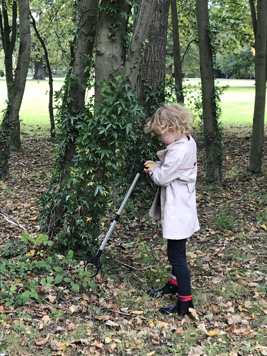@30DaysWild We didn't in June but we did at a weekend a week or two ago as the eldest two minis were inspired by a couple of their fellow pupils who talked at school about a litter pick they had done too. #30DaysWild https://t.co/YInniy6CXF