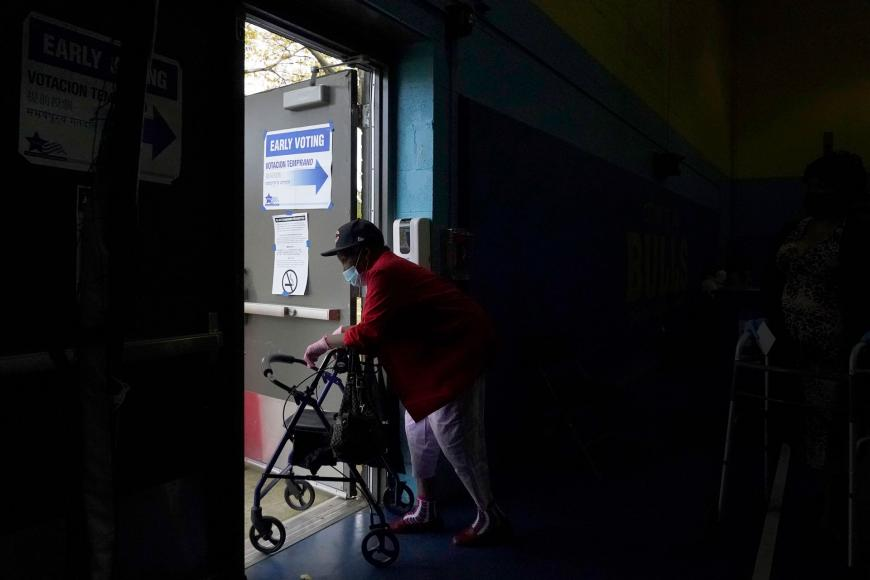 38 million eligible US voters with disabilities are facing inaccessible polls and ballots. Millions of voices may go unheard. States must make voting fully inclusive of all. #EveryVoteCounts hrw.org/news/2020/10/2…