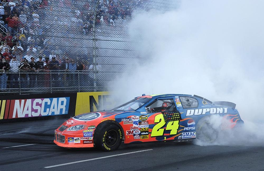 #TBT - 10/23/05, At a place where he won nine of his 93 career premier series races, @MartinsvilleSwy, @JeffGordonWeb led 151 of 500 laps to win the #Subway500 & the $184,926 that went with the victory. Fellow Hall of Famer @TonyStewart finished 2nd, 0.235 seconds behind Gordon.
