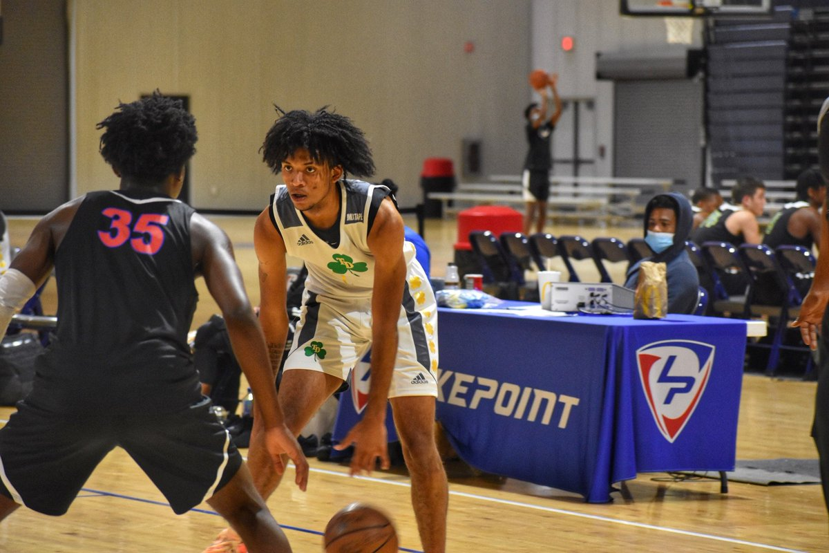 Cam McDowell (@cmcdowell_) has been really good every time I've seen the last few months. Plays both guard spots. Improved jump shot and great attacking the rim. High level competitor. Unselfish and strong leadership qualities. Schools at all levels of D1 should be involved. https://t.co/R9bFXM3lTs