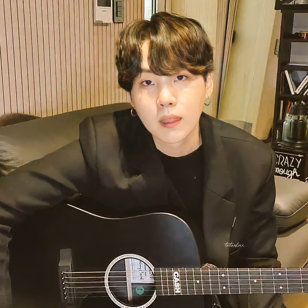 Suga being your boyfriend and he..💗  Harana (serenade) - traditionally the most common practice for suitors here in the Philippines to woo their sweetheart through romantic song. typically a man with guitar and singing outside your window. 💖✨  #SUGA #YOONGI https://t.co/I4CNQIY0Xs