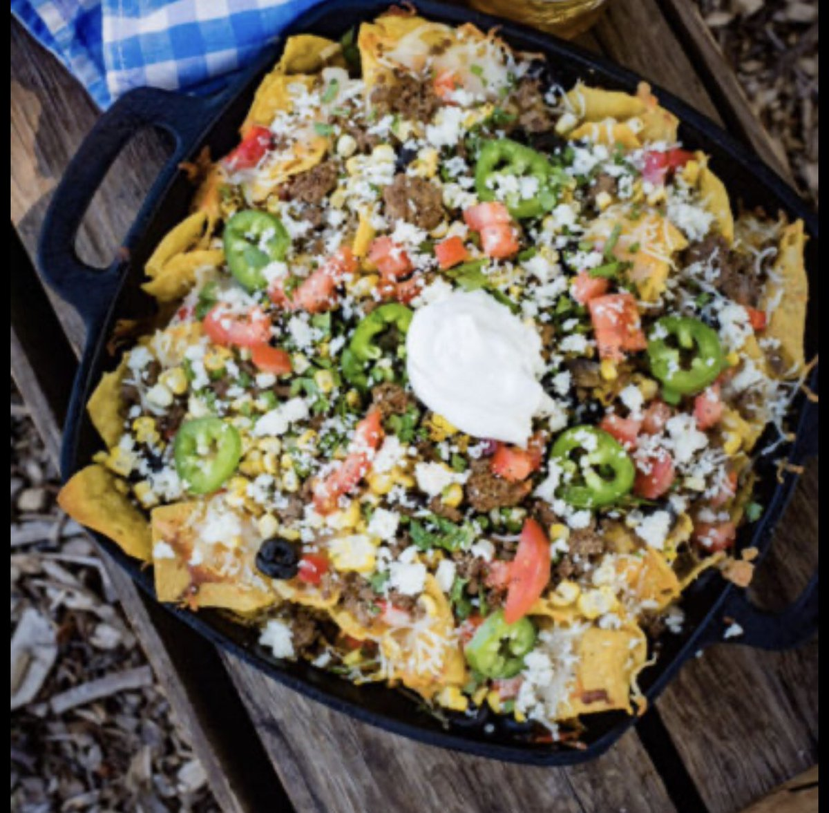 Camping and nachos. Two of my faves! #OzarksPrepared #Prepper #Shtf #Prepper #Bushcraft #Survival #FoodStorage #BugOutBag #GetHomeBag #Nature #Adventure #DIY #prepperfoodstorage #nachos #campfiremeals https://t.co/85lUAT5mO9