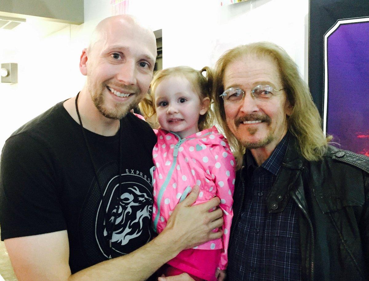 Throwback to introducing my daughter Aurora to one of my greatest mentors as a singer, @TedNeeley !  #throga #vocalcoach #7dimensionsofsinging #tbt #throwback #throgathursday #tedneeley #jcs #jesuschristsuperstar #mentor https://t.co/VoRh2K4SO2