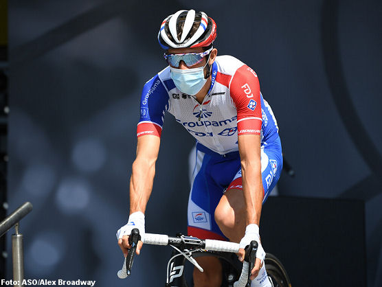 Vuelta a España: Thibaut Pinot no toma la salida en la tercera etapa https://t.co/TRvgnhyCdR https://t.co/YVFHmuLKX7