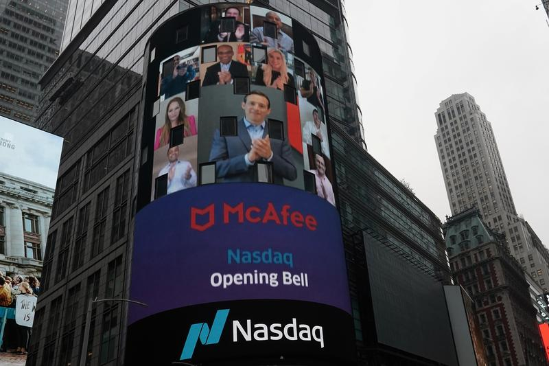 McAfee Corp shares fall 7% in Nasdaq debut https://t.co/HB3qrljiC3 https://t.co/FRFeWoVnYR