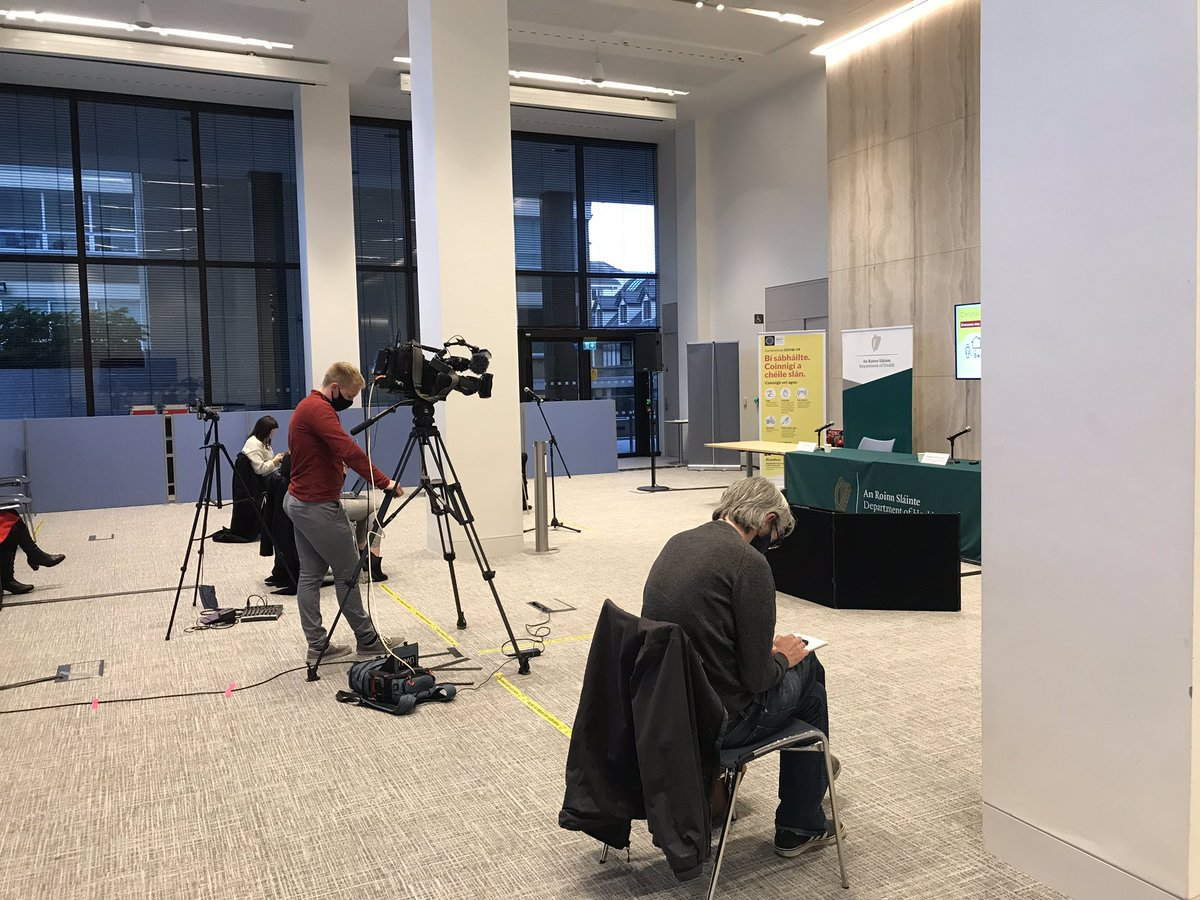 #BREAKING  3 further deaths.  1,066 new confirmed cases.  Press conference about to being here at the Department of Health.   @VirginMediaNews #Covid19Ireland https://t.co/VLXth9CKDR