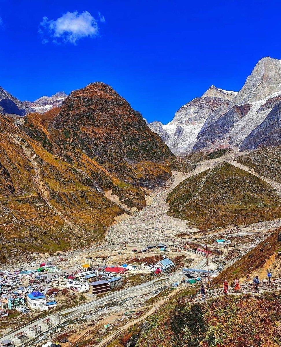 🔱Kedarnath Valley, Uttarakhand, India.  #UttarakhandHeaven  #uttarakhandheaven #realhimalayangirls #indeedindian #indiapictures #incredibleindia #indianphotography #himachal #uttarakhand #himalayas #himalayasin #kedarnath #kedarkantha #kedarnathtemple https://t.co/9btAU6nIJb