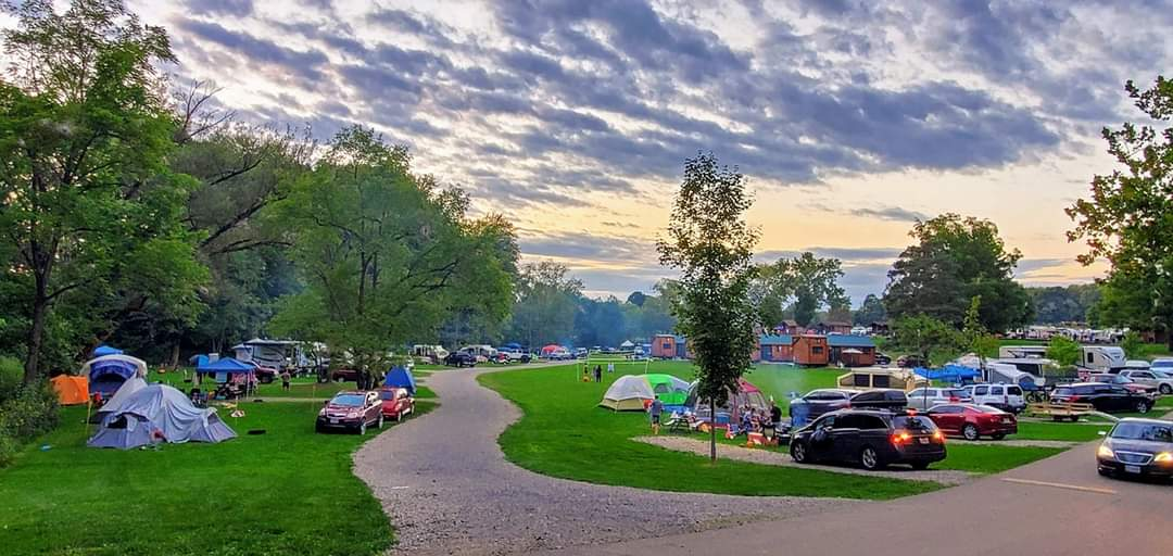 Camping is the life❤🏕!  #willowflats #cabins #cabinlife #ohiocamping #campinginohio #canalfulton #funatclayspark #primitivecamping #tentcamping #rvlife https://t.co/UFHQlVCBQw