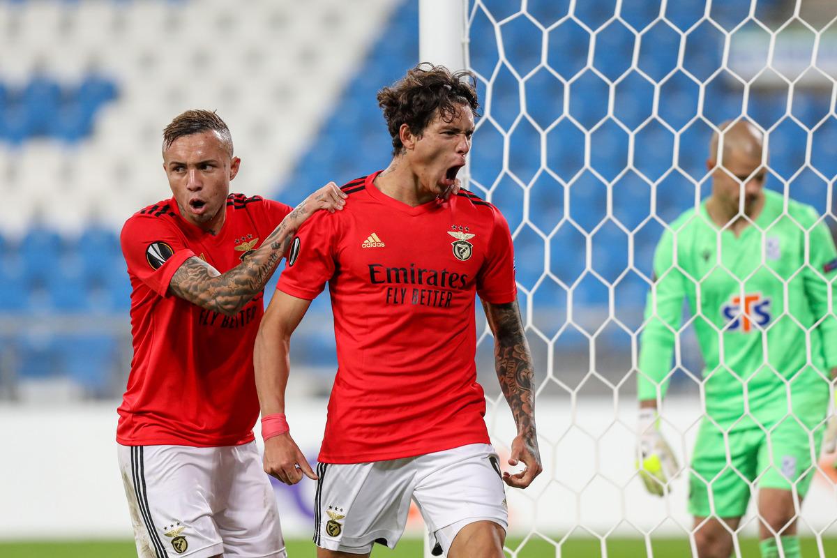 3.º jogo consecutivo que o Benfica marca 3 + ⚽golos: ➡Farense, 3x2 ➡Rio Ave, 3x0 ➡Lech Poznan, 4x2 https://t.co/Y5z9CpcNAU