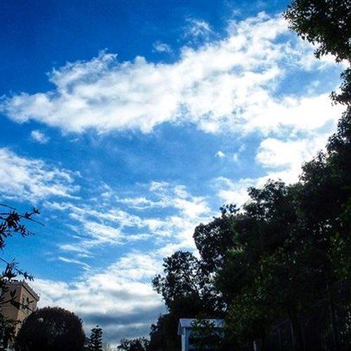 Βελτιωμένος καιρός και άνοδος της θερμοκρασίας την Παρασκευή: Έως 5 μποφόρ οι άνεμοι. Η πρόγνωση του καιρού από τον διευθυντή της ΕΜΥ Θοδωρή Κολυδά. dlvr.it/Rk7zNj #καιρός #weather