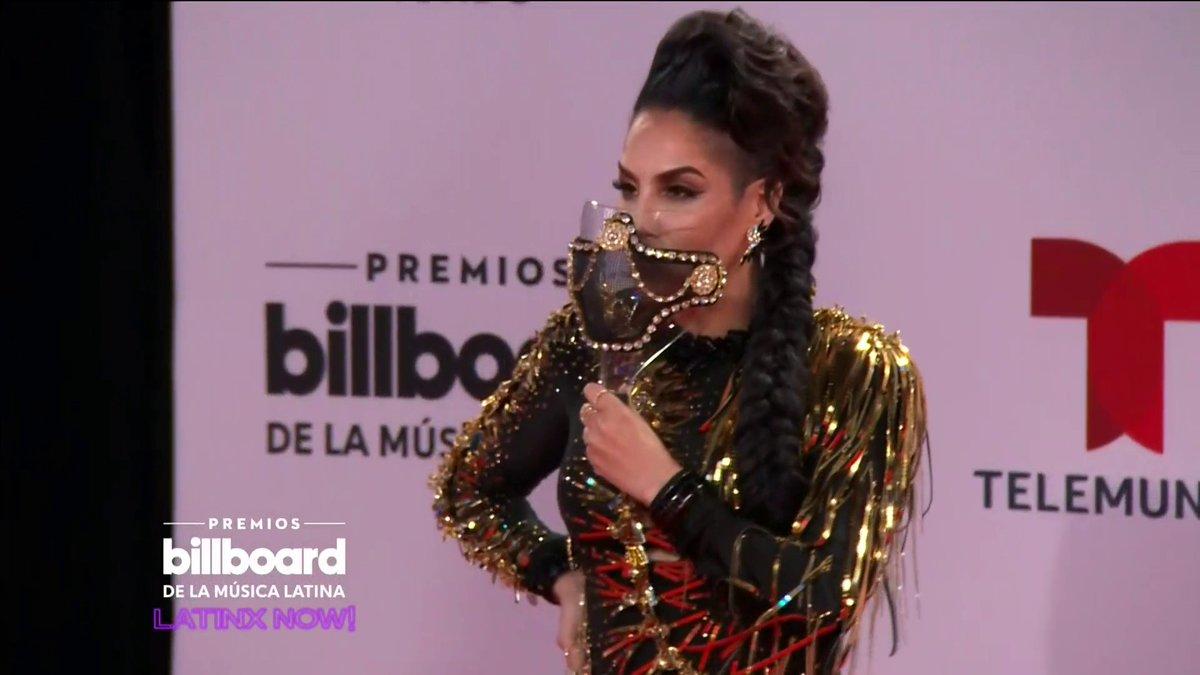 La caballota @IvyQueenDiva arrasó con este look en la alfombra de los #Billboards2020 🤩