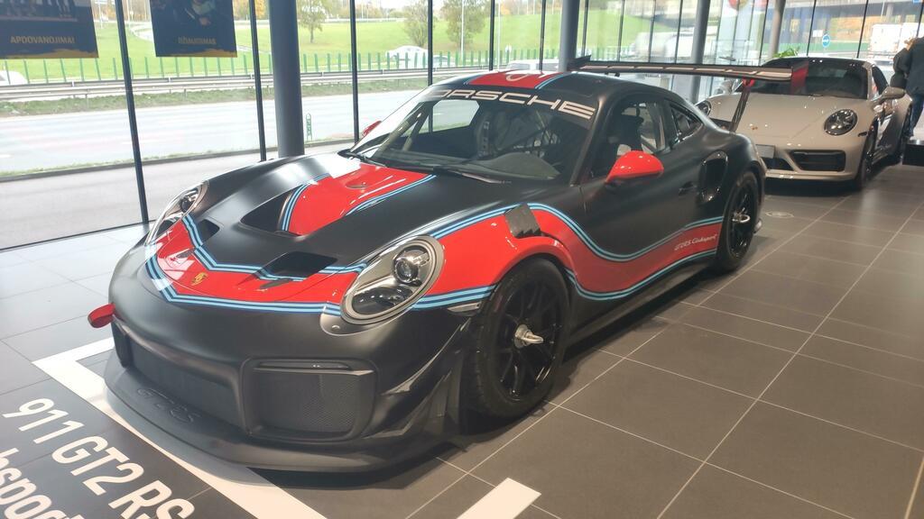 911 GT2 RS Clubsport in Vilnius Lithuania #bugatti #ferrari #porsche @cars https://t.co/IixAeMx2fw