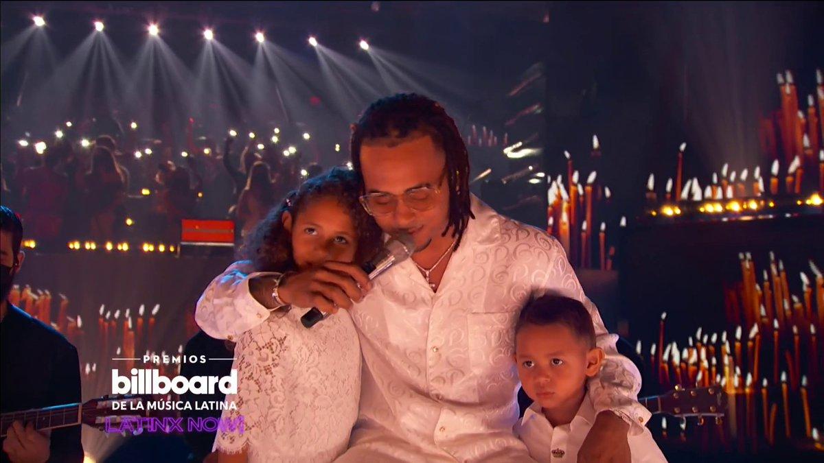 😍🎶  La presentación de @ozuna junto a sus hijos fue una de las más emocionantes de la noche de los #Billboards2020