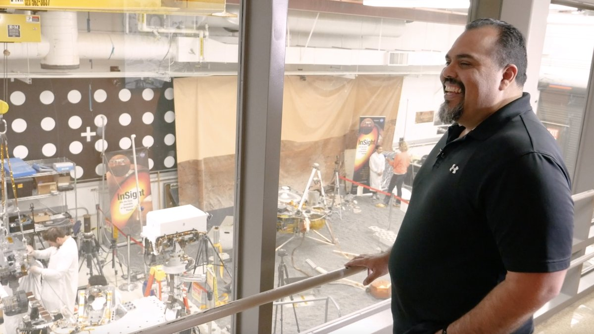 LIVE NOW🔴 Tune in to a live Q&A w/ Eric Aguilar, Technical Group Supervisor to @NASAPerseveres sample caching system. Hear how they built it, how the Mars rover will use it in its search for ancient life & get advice on working for NASA. youtu.be/V4D-z2zym7I #CountdownToMars