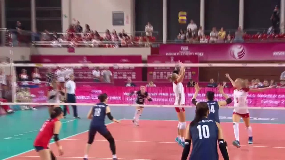 2017 #FIVBWorldGrandPrix Pool Play: Korea 🇰🇷 vs 🇵🇱 Poland  LINK: https://t.co/3glbE4lG8B  Kim Yeon-koung once again showed her skills and scored a total of 26 pts. Poland's best performance belonged to Berenika Tomsia with 22 pts. https://t.co/GmxG09YJFn
