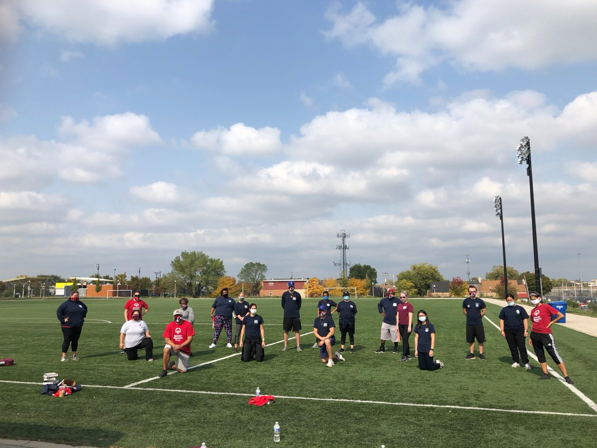 We want to give a big thank you to the @ChicagoParks Special Rec Staff who have worked hard to make events like Bocce, Soccer Skills, and Football Skills possible this fall for Special Olympics Chicago athletes athletes! https://t.co/AKsJsFQZjT