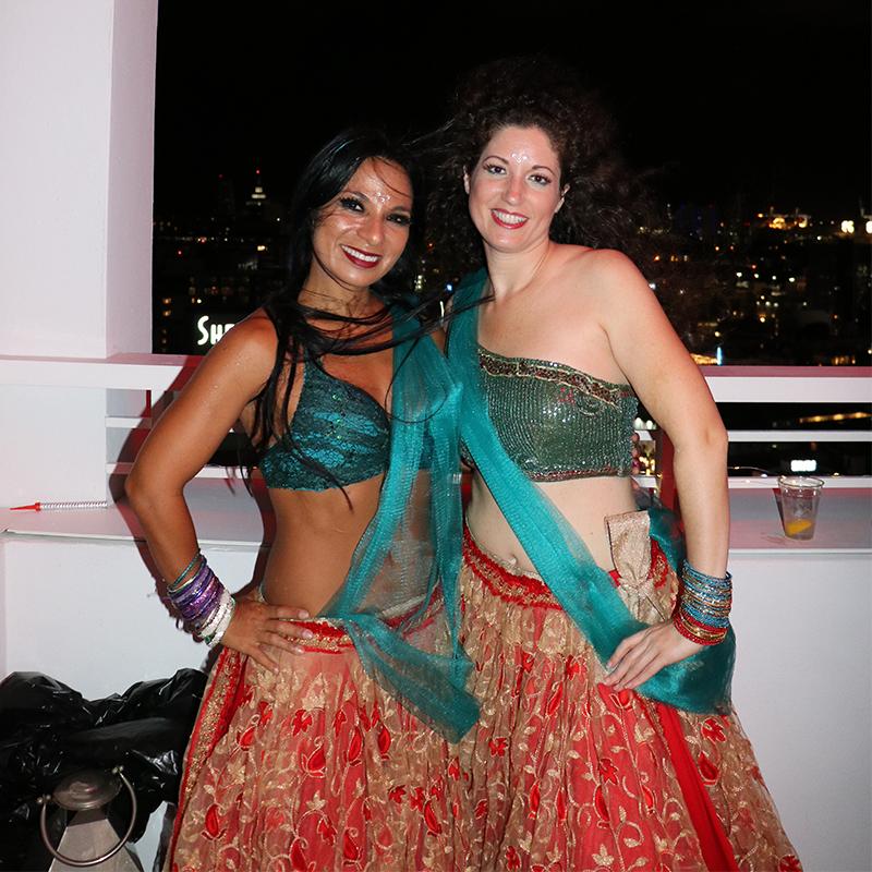 Cuando se encuentran 2 bailarines las palabras sobran, es el lenguaje del corazón el que encuentra su propio ritmo ❤️🎶  #StepFlix #dancersofinstagram #DancerLife #Dancer #Bollywood #DanceFriendship https://t.co/bRoPCsdr42