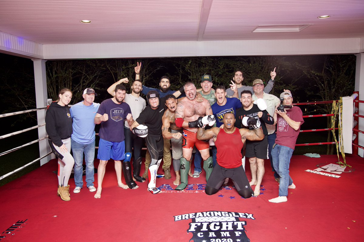 Such an amazing camp! #BreakingLex @lexmcmahonMMA and the crew #SquadGoals #LexsFamily #PostSparring #FamilyTime We Can, We Will, Together, We Are, #TeamShorty https://t.co/MmZoMDDYPu