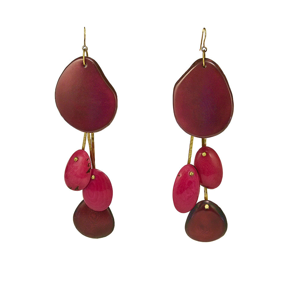 Unique statement earrings made with organic tagua nuts and brass with sterling silver hooks and clasps, delivered to your door with DHL https://t.co/pm1WpPMCyz #taguajewelry #tribalearrings #largeearrings #colorlatinojewelry https://t.co/ySrjEqmoox