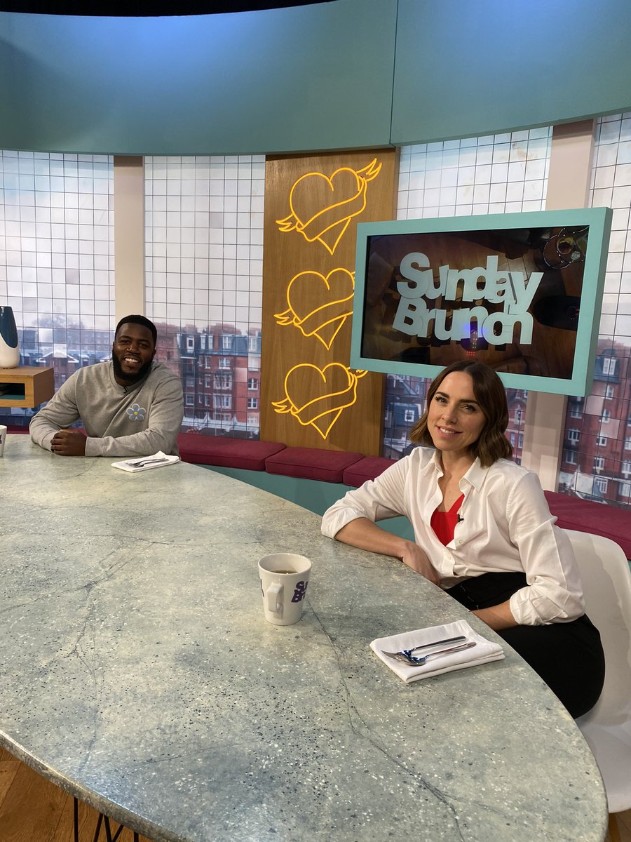 Time for our final cook of the Day, @MoTheComedian and @MelanieCmusic are going to try Simon's Pumpkin and Coconut Loaf 😍 #SundayBrunch https://t.co/3z36CbM9uZ