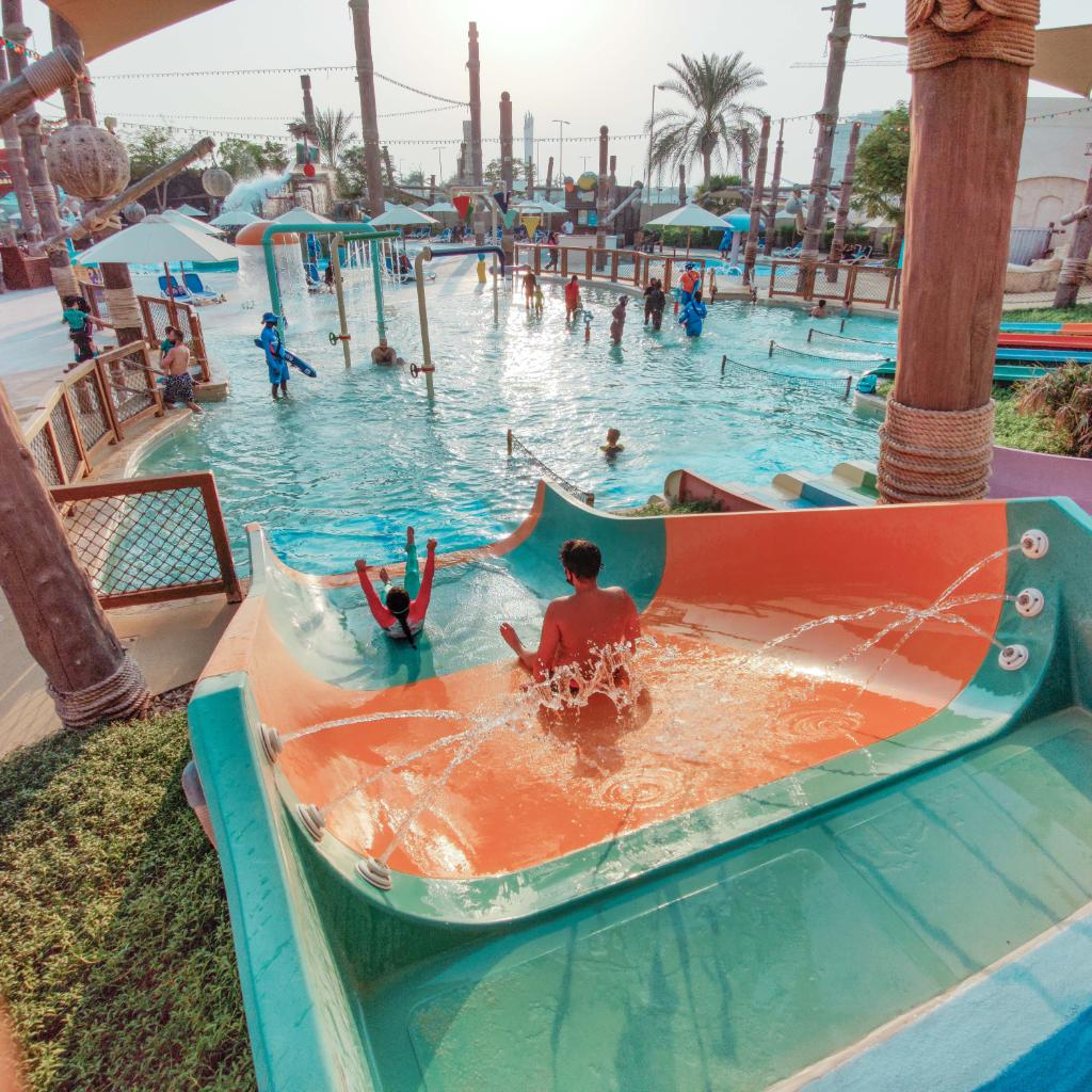 Happiness is all about splashing on your own rules! Book your tickets online now, 4 at the price of 3. #YasWaterworld #YasIsland #inAbuDhabi https://t.co/hhQl0ZPBe2